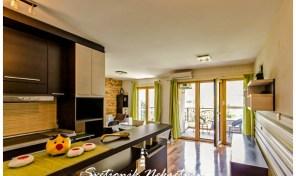 Luksuzan stan u neposrednoj blizini mora, novogradnja – Igalo, Herceg Novi