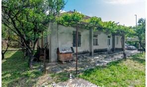 Plac i kuca za adaptaciju sa pogledom na more i Portonovi – Kumbor, Herceg Novi