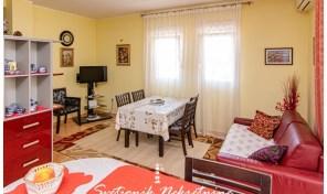 Kompletno opremljen stan u centru Igala – Herceg Novi