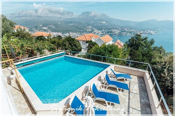 Prodaja kuca Herceg Novi - Kuca sa bazenom i panoramskim pogledom na more, Zvinje