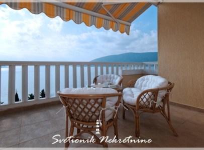 Prodaja stanova Herceg Novi - Jednosoban stan sa pogledom na more u luksuznom kompleksu sa bazenom, Savina