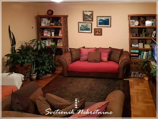 Prodaja stanova Budva – Dupleks stan u Mediteranskoj ulici