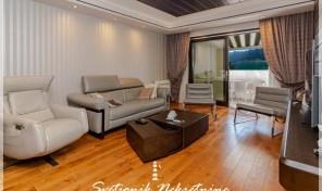 Luksuzan dvoiposoban stan u prvom redu do mora – Dobrota, Plagenti
