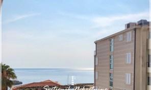 Dvosoban stan sa pogledom na more – Sveti Stefan, Budva