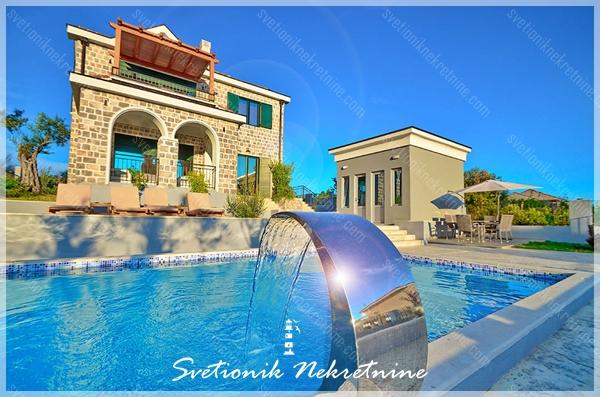 Prodaja kuca / vila Tivat - Moderna vila sa bazenom i pogledom na more, Ponte Veslo