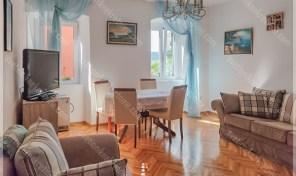 Kompletno renoviran i sredjen dvosoban stan u srcu starog grada – Herceg Novi