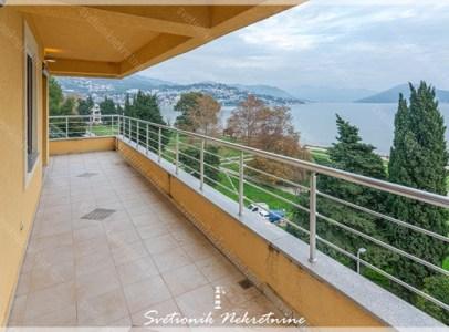 Prodaja stanova Herceg Novi - Stan u novogradnji na obali mora, Igalo
