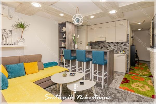 Prodaja stanova Herceg Novi - Kompletno renoviran i sredjen dvosoban stan, Savina