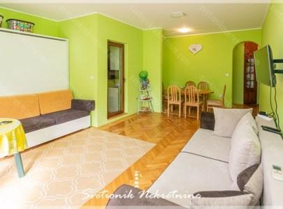 Prodaja stanova Herceg Novi - Komforan stan smesten u centru Igala u drugom redu od mora
