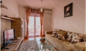 Jednosoban stan u kompleksu sa bazenom na obali mora – Djenovici, Herceg Novi