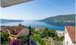 Porodicna kuca sa prelepim pogledom na more – Herceg Novi