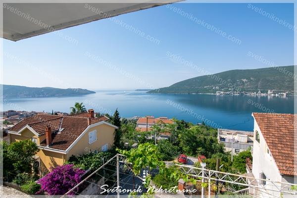 Prodaja kuca Herceg Novi - Porodicna kuca sa prelepim pogledom na more