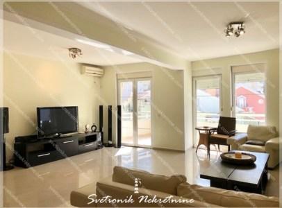 Prodaja stanovaBudvanska Rivijera - Trosoban stan sa garaznim mestom u vlasnistvu, Rafailovici