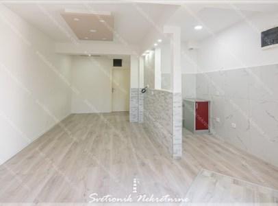 Prodaja stanova Herceg Novi - Renoviran jednosoban stan u prizemlju stambene zgrade, Igalo
