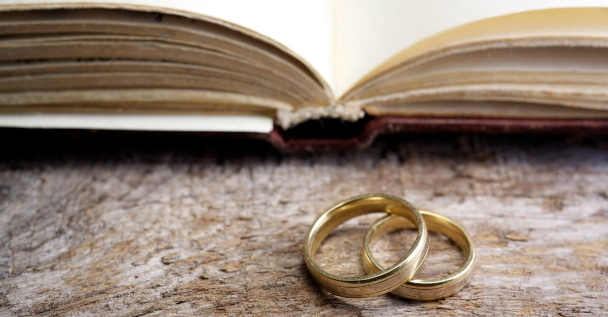 What You Should Read at Your Wedding Instead of 1
