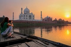 All Inclusive Tour: Private Day Trip to Taj Mahal & Agra Fort from New Delhi