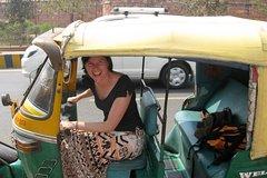 Sunrise Taj Mahal Tour with Tuk Tuk & Guide