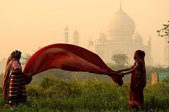 Taj Mahal Private Guided Tour from Delhi