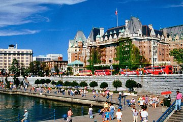 Victoria and Butchart Gardens by Seaplane and Speed Boat