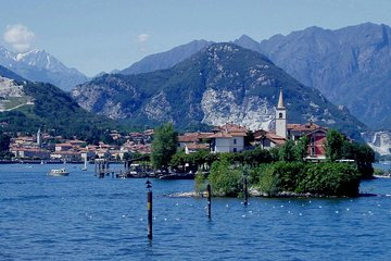 Private Tour: Lake Maggiore and Vicolungo Outlet Day Trip from Milan