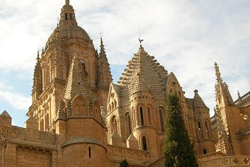Salamanca with capital letters, monumental, hisorical-artistical. billingual