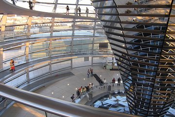 Berlin Reichstag cupola with coffee break at the rooftop restaurant
