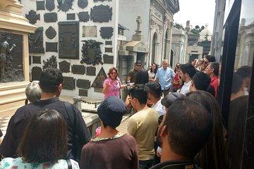 English tourist guide Recoleta cemetery