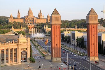 Barcelona Transfer: Cruise Port to Central Barcelona