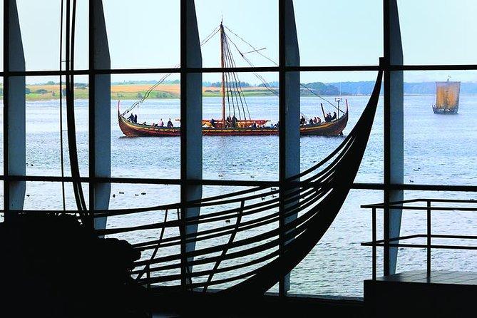 Roskilde est surtout célèbre pour son musée des navires vikings, la cathédrale de roskilde et le musée en plein air land of legends. Copenhague A Roskilde Visite D Une Journee Complete Avec Le Musee Du Navire 2021 Garantie Du Prix Le Plus Bas