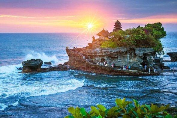 Bali Full-Day Private Tour with Batuan and Tanah Lot Temple 2020 - Seminyak
