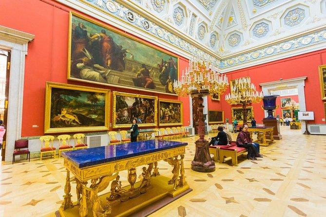 Recorrido a pie por el arte de San Petersburgo con la Iglesia del ...