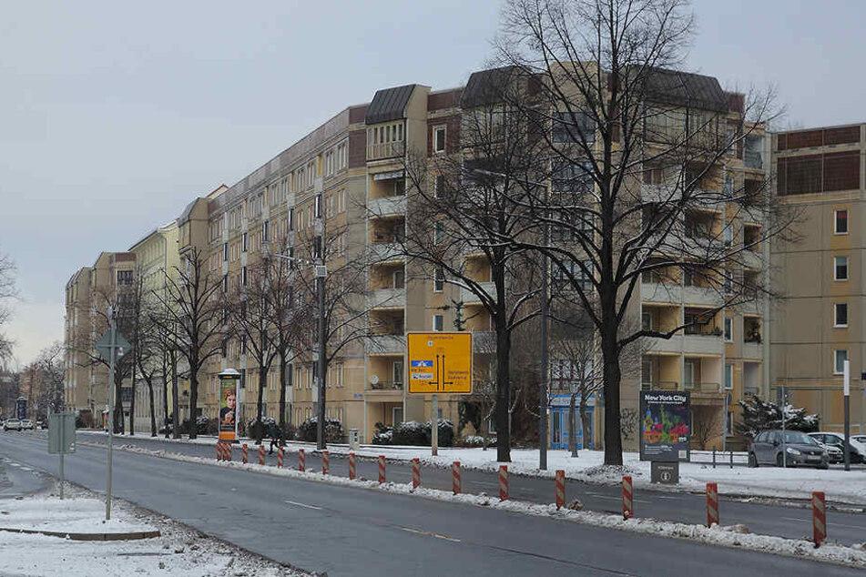 Trickbetrgerin beklaut Rentner in der Neustadt  TAG24