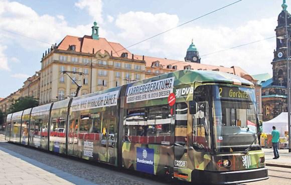 Bildergebnis für Bundeswehr-Straßenbahn Dresden