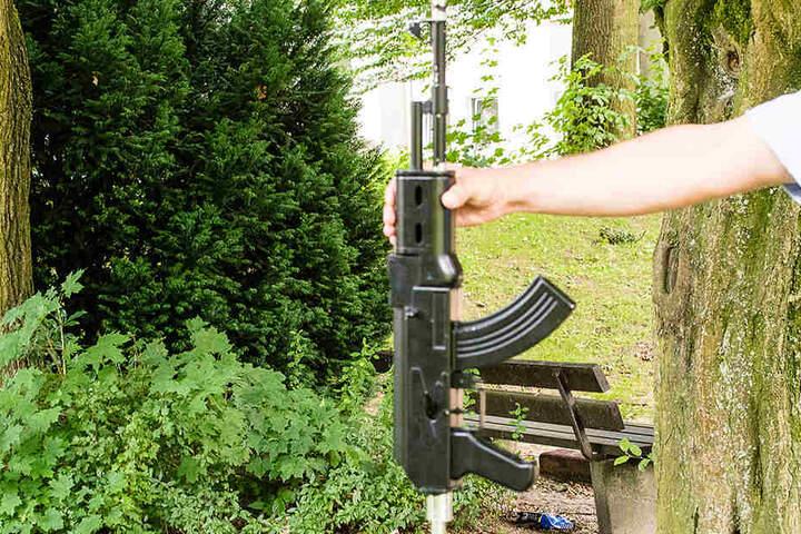 Mann verwechselt Shisha mit Sturmgewehr und lst Polizeieinsatz aus  TAG24