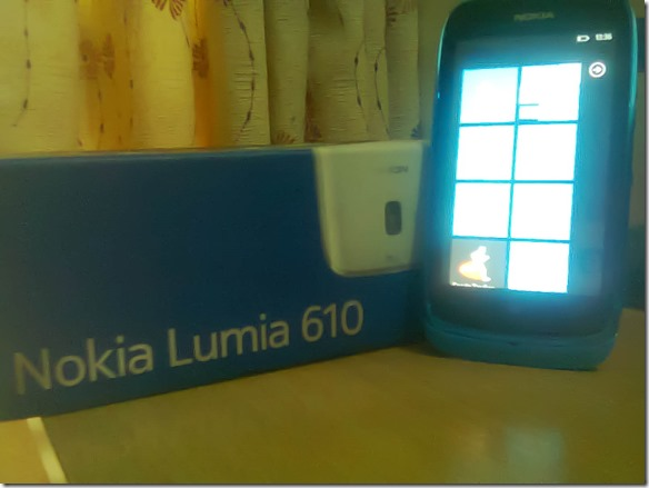 Nokia_Lumia_610_with_box