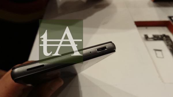 ZTE Nubia Z9 Mini USB Port