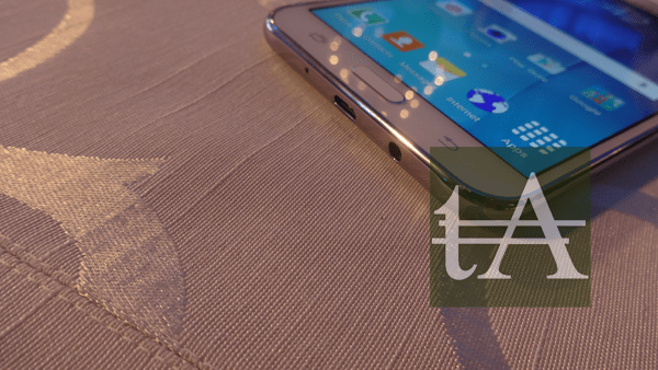 Samsung Galaxy J7 Ports