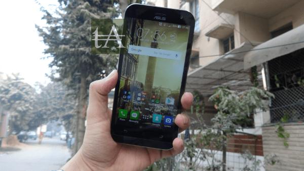 Asus ZenFone Zoom Front