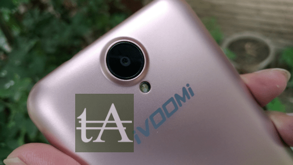 iVoomi Me 1 Plus Camera