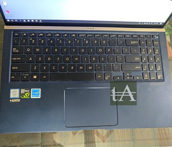 Asus Zenbook 15 UX533F Keyboard