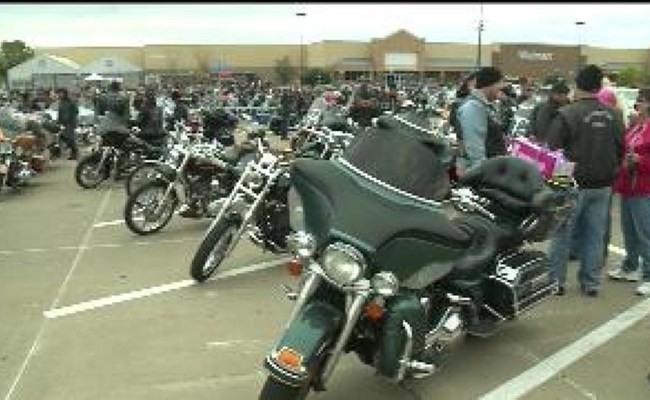 Toys For Tots Officially Kicks Off In The Quad Cities