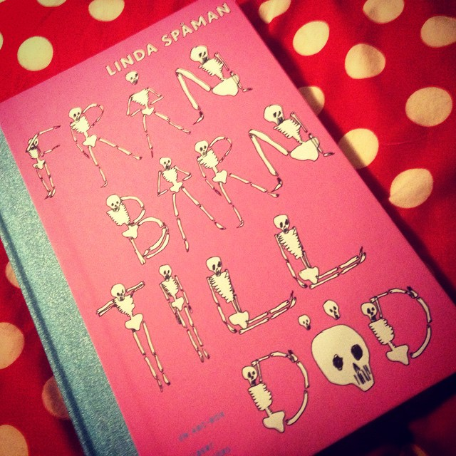 """Instagram media by litteraturmagazinet - """"Från barn till död"""" - mörk ABC-bok för vuxna av Linda Spåman. Allt du redan vet om livet men inte vill låtsas om. Tillspetsat och giftigt, men med humor! #serier / #seb_lm"""