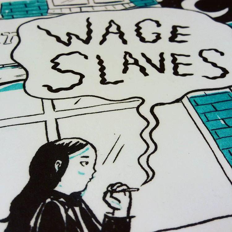"""Daria Bogdanskas debut """"Wage slaves"""" är en serieroman om att jobba svart som papperslös och om facklig organisering, men också om hur komplicerat livet och kärleken kan vara. Om var en egentligen hör hemma. Och om punk! #serier #serieroman #wageslaves #dariabogdanska @galago_forlag"""