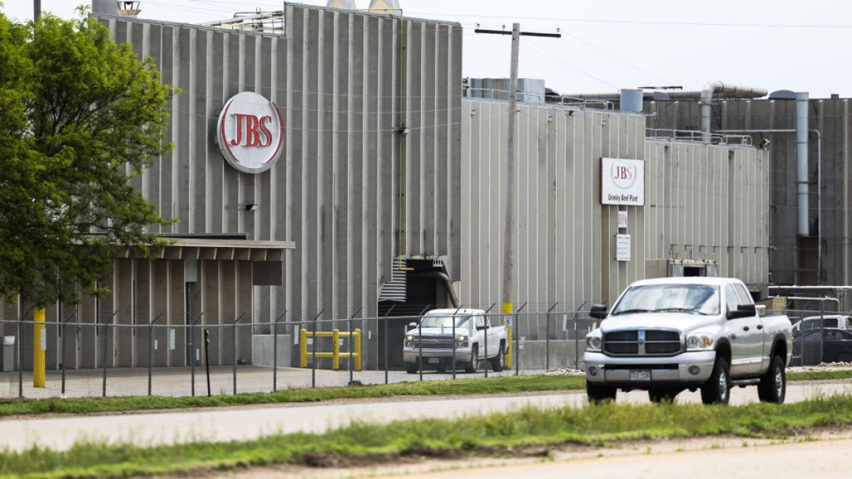 JBS resumes operations after hack that paralyzed production