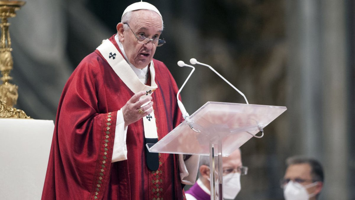 Pope Francis criminalizes sexual abuse of adults at the hands of priests