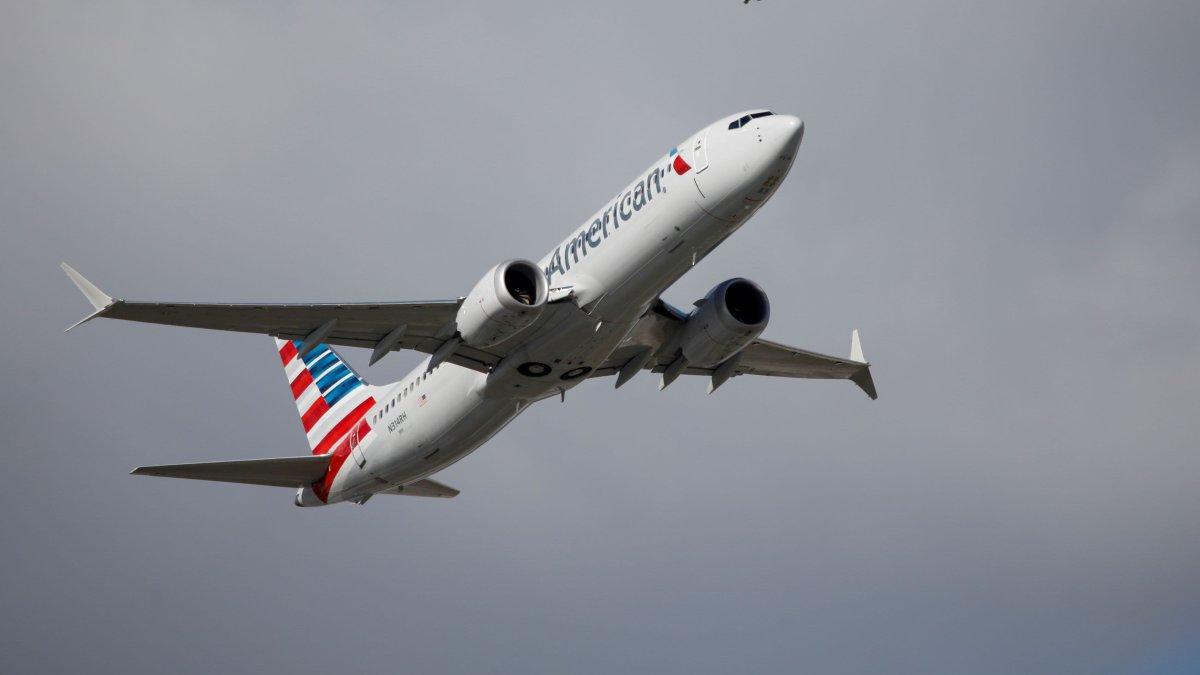 American Airlines planea venta de bonos para pago de deudas