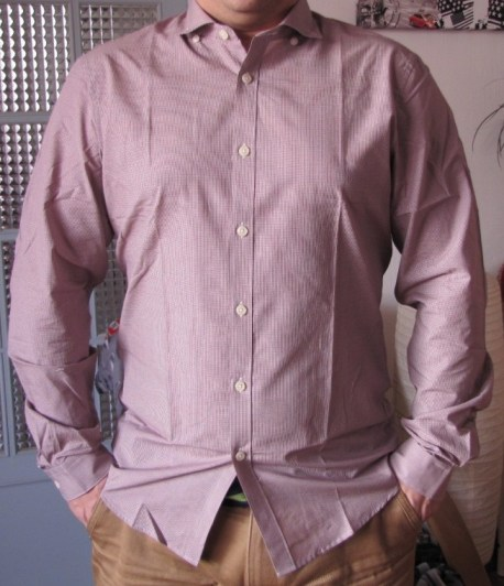 Le mannequin avec sa nouvelle chemise Ben Sherman Spectrum
