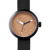 montre Clomm noir, fond liège, bracelet cuir noir