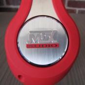 gros plan logo sur le cote du MTX Audio