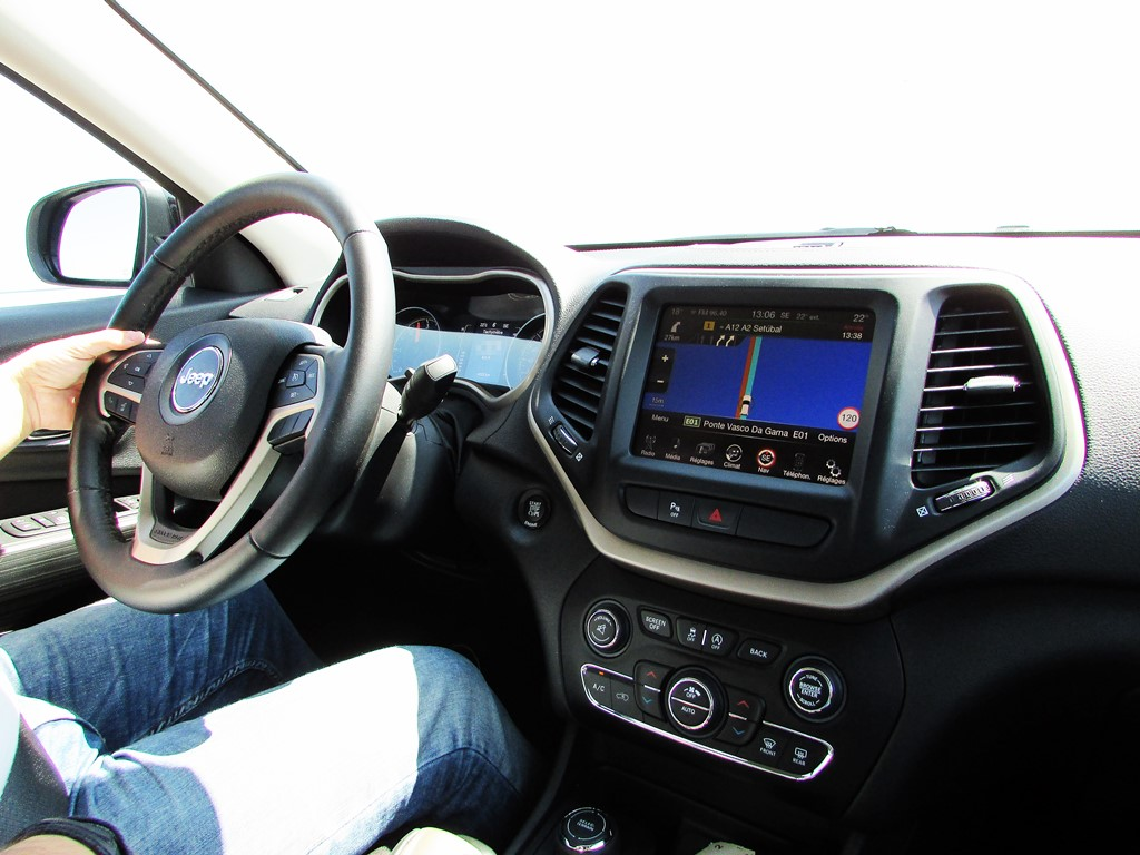 jeep cherokee - au volant